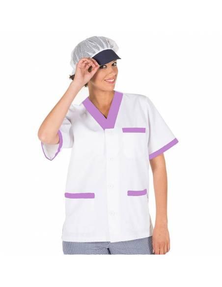 Casaca sanitaria combinada con botones blanca y lila. Manga corta escote pico